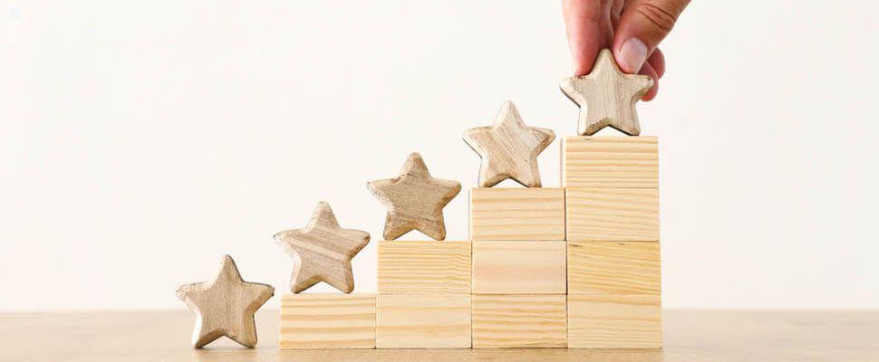 星が階段状に並んでいる画像